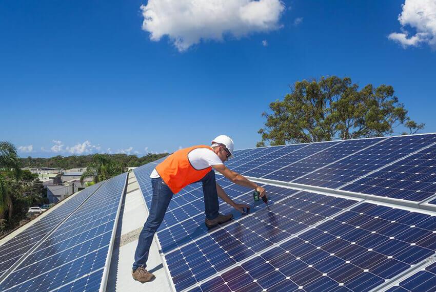 Čo-musíte-vedieť-pred-investíciou-do-solárnych-panelov-trendhouse-blog