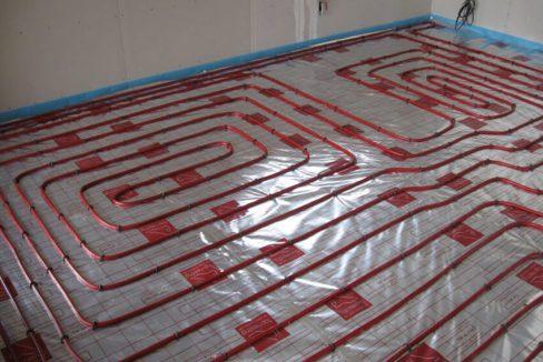 Vytlačí-podlahové-vykurovanie-klasické-radiátory-trendhouse-blog