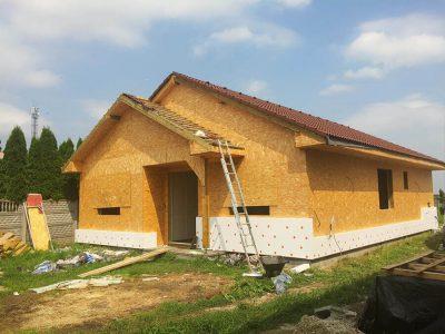 rodinny-dom-drevostavba-tvrdosovce-vystavba-5