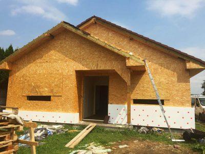 rodinny-dom-drevostavba-tvrdosovce-vystavba-6